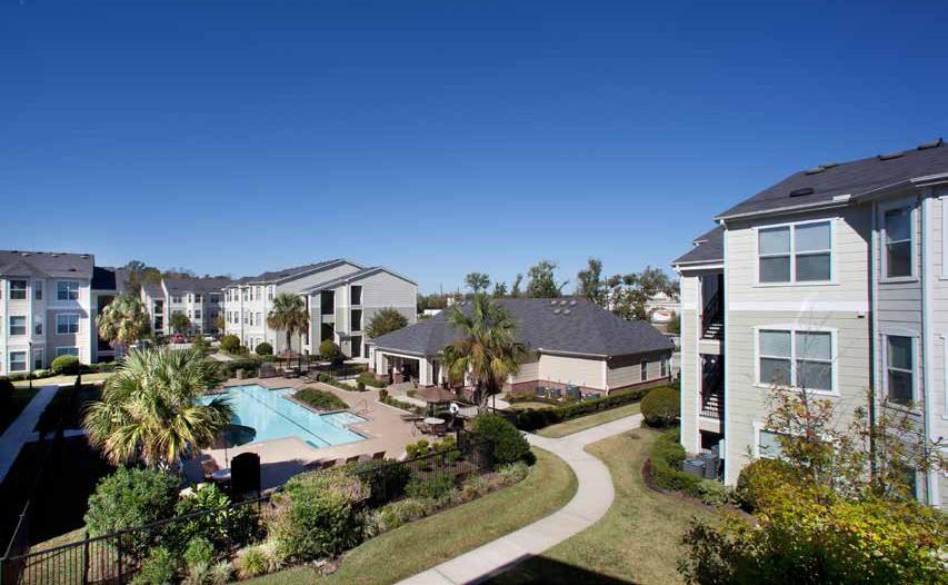 Apartments Near ITT Technical Institute-Houston North Bellaterra at Deerbrook for ITT Technical Institute-Houston North Students in Houston, TX