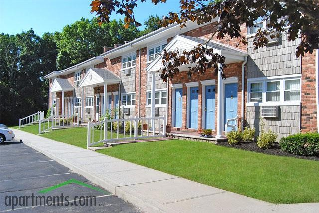 Maple Crest Garden Apartments At Port Jefferson · Apartments For Rent Design Inspirations