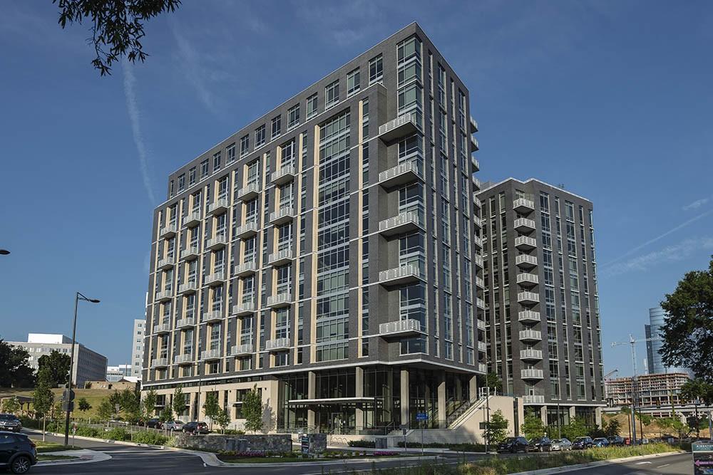 Apartments Near GMU Kingston at McLean Crossing for George Mason University Students in Fairfax, VA