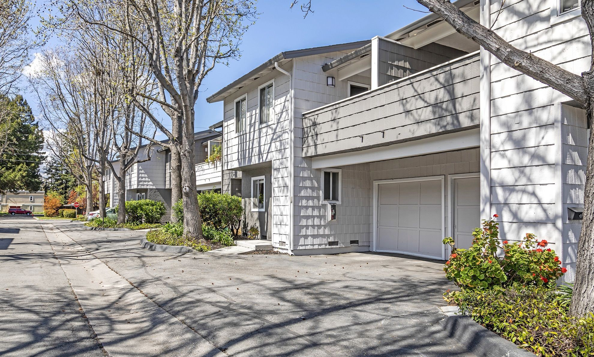 Apartments Near Foothill Forest Glen for Foothill College Students in Los Altos Hills, CA