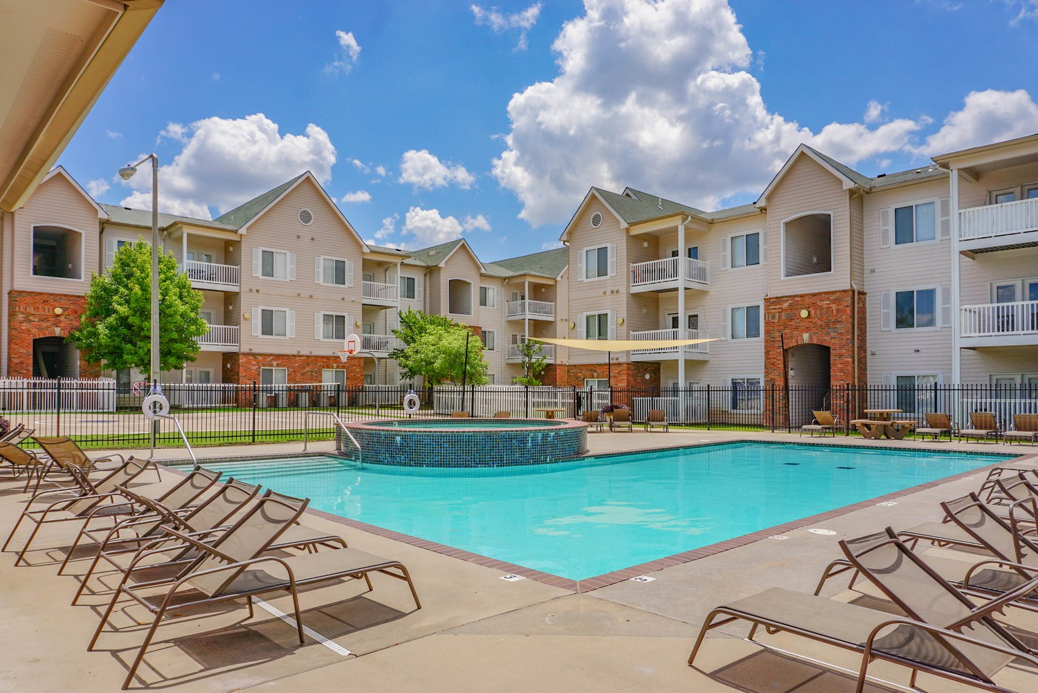 Apartments Near OU Edge of Norman (Price is per bedroom) for University of Oklahoma Students in Norman, OK