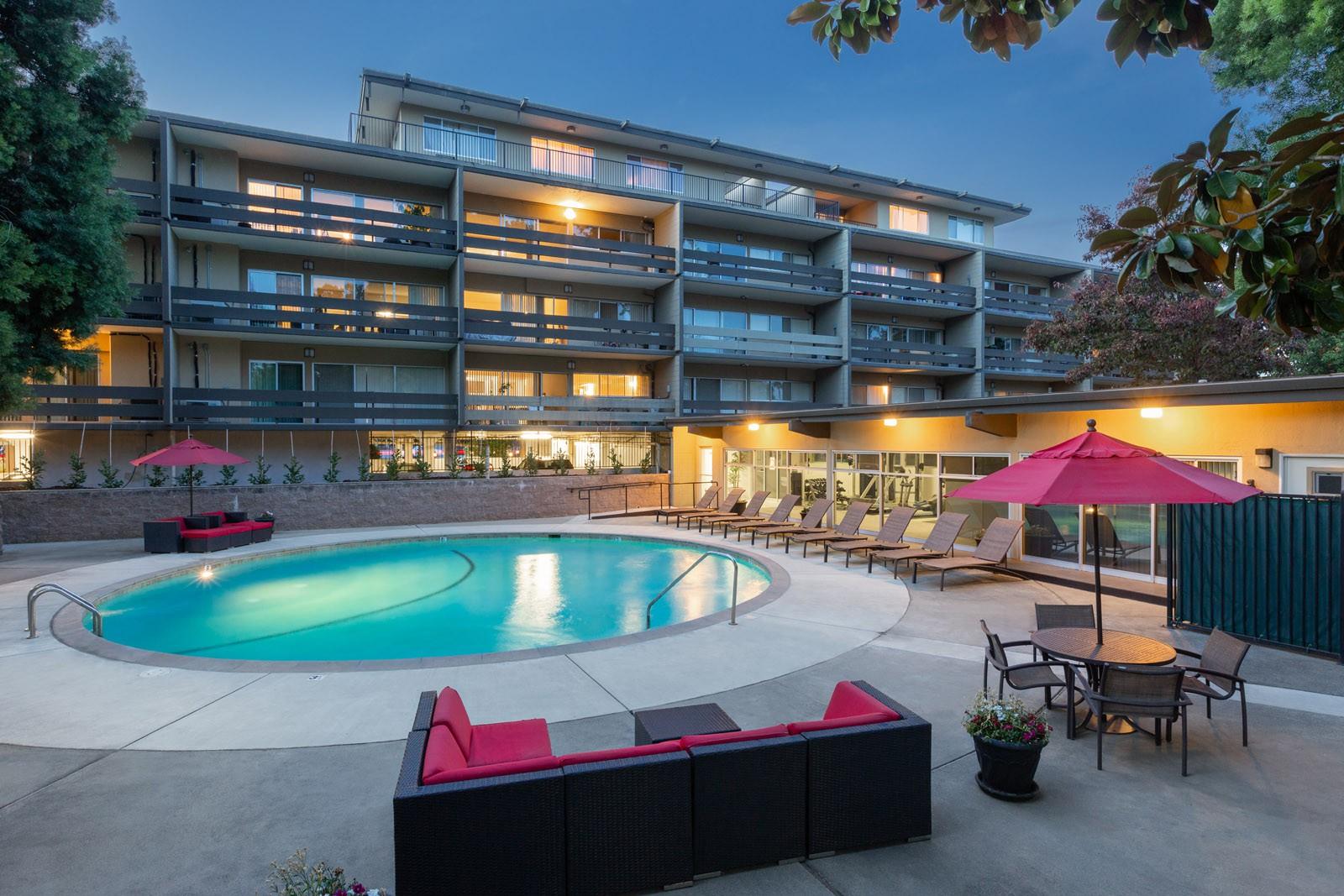 Palo Alto Place