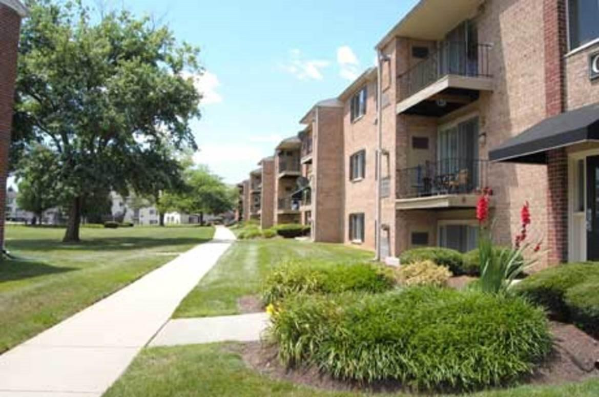 Chesterfield Apartment Homes