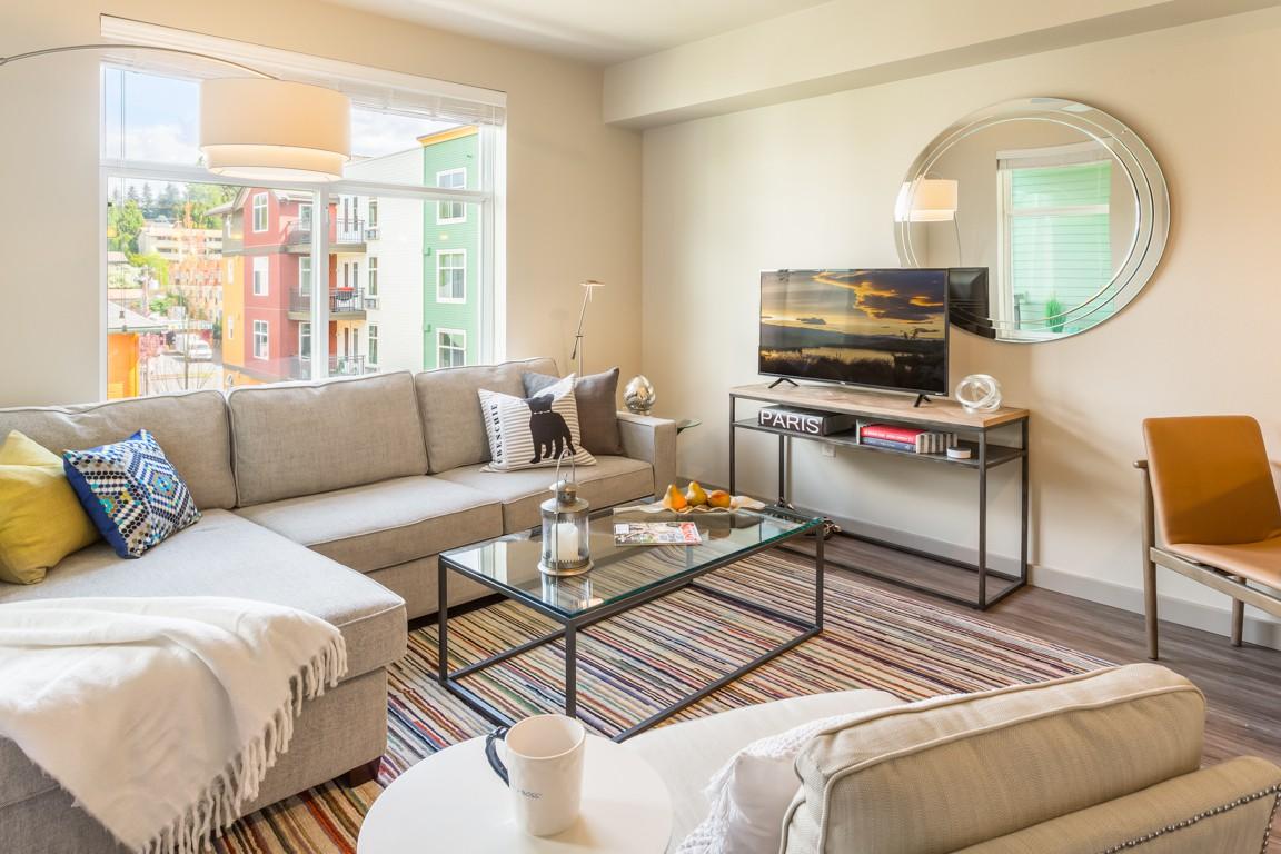 Apartments Near Bastyr Chelsea at Juanita Village for Bastyr University Students in Kenmore, WA