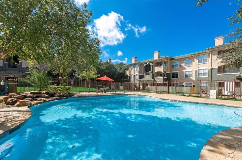 Apartments Near Strayer University-Cedar Hill St. Laurent for Strayer University-Cedar Hill Students in Cedar Hill, TX