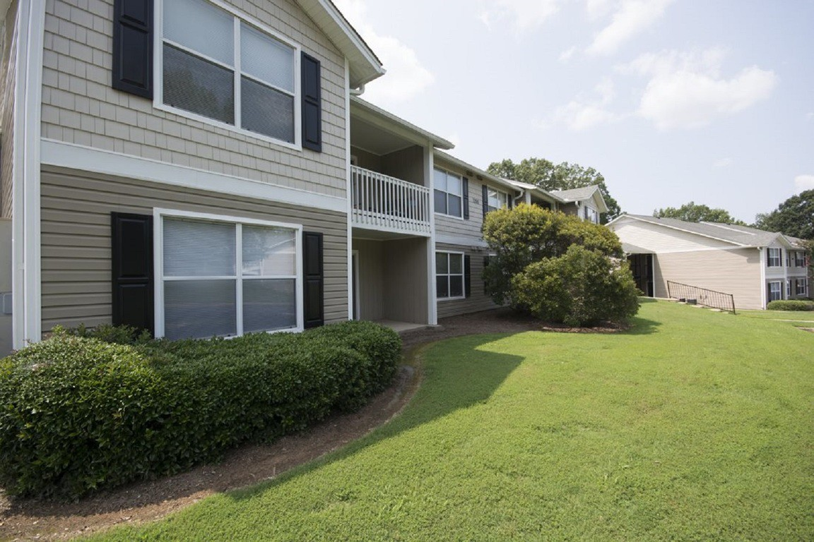 Apartments Near BJU Azalea Hill for Bob Jones University Students in Greenville, SC