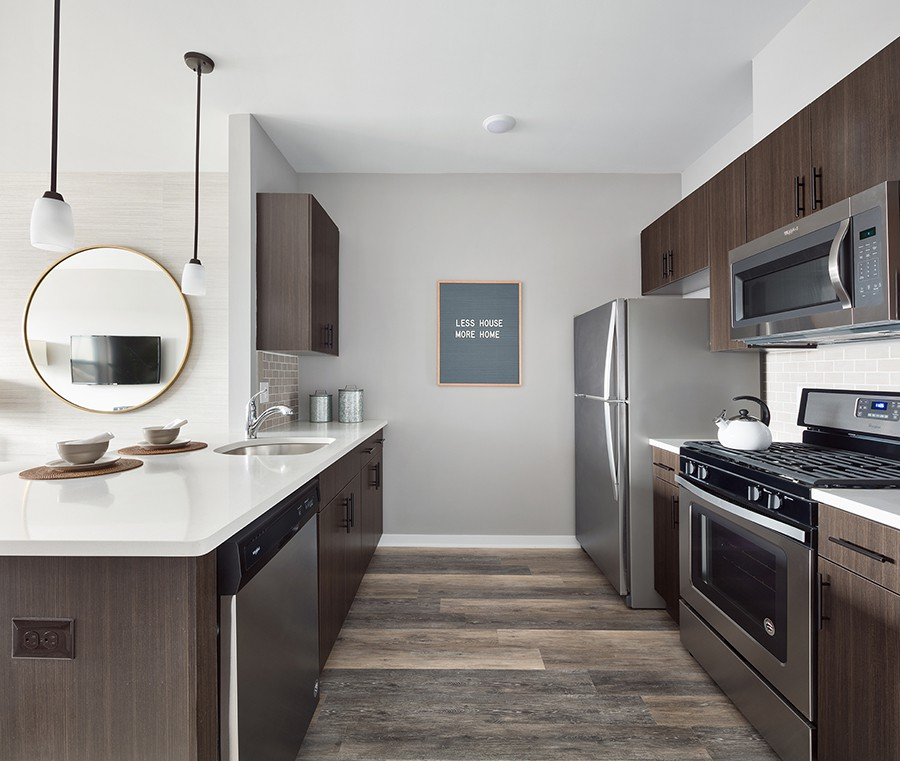 Apartments Near Freehold The Link at Aberdeen Station for Freehold Students in Freehold, NJ