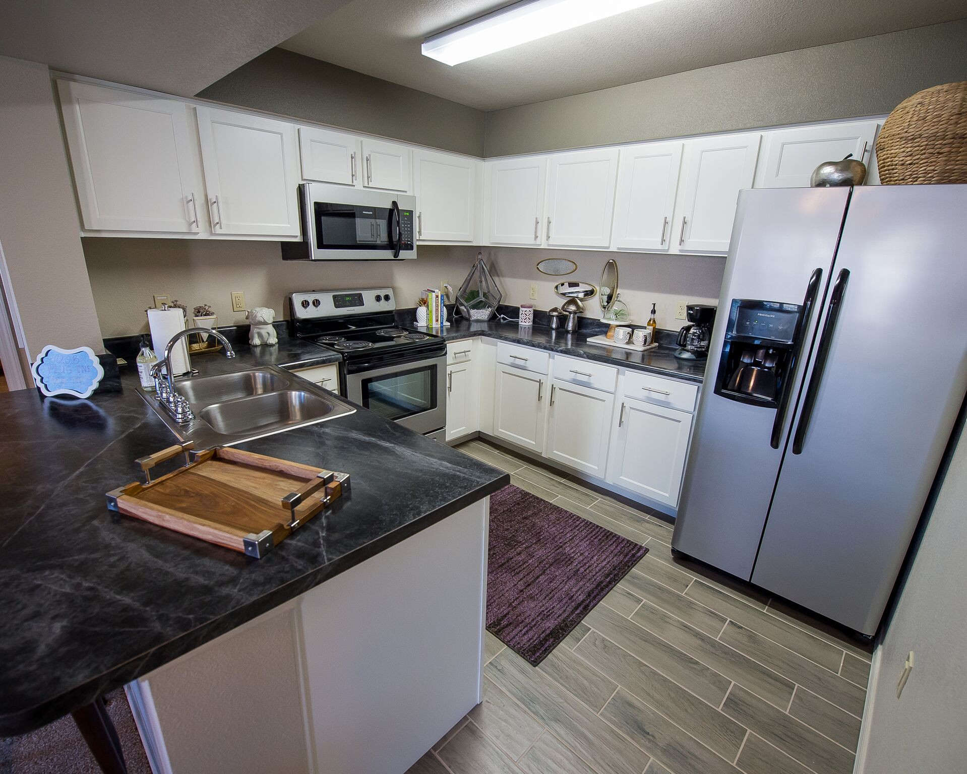 Apartments Near WSU Cottages at Crestview for Wichita State University Students in Wichita, KS