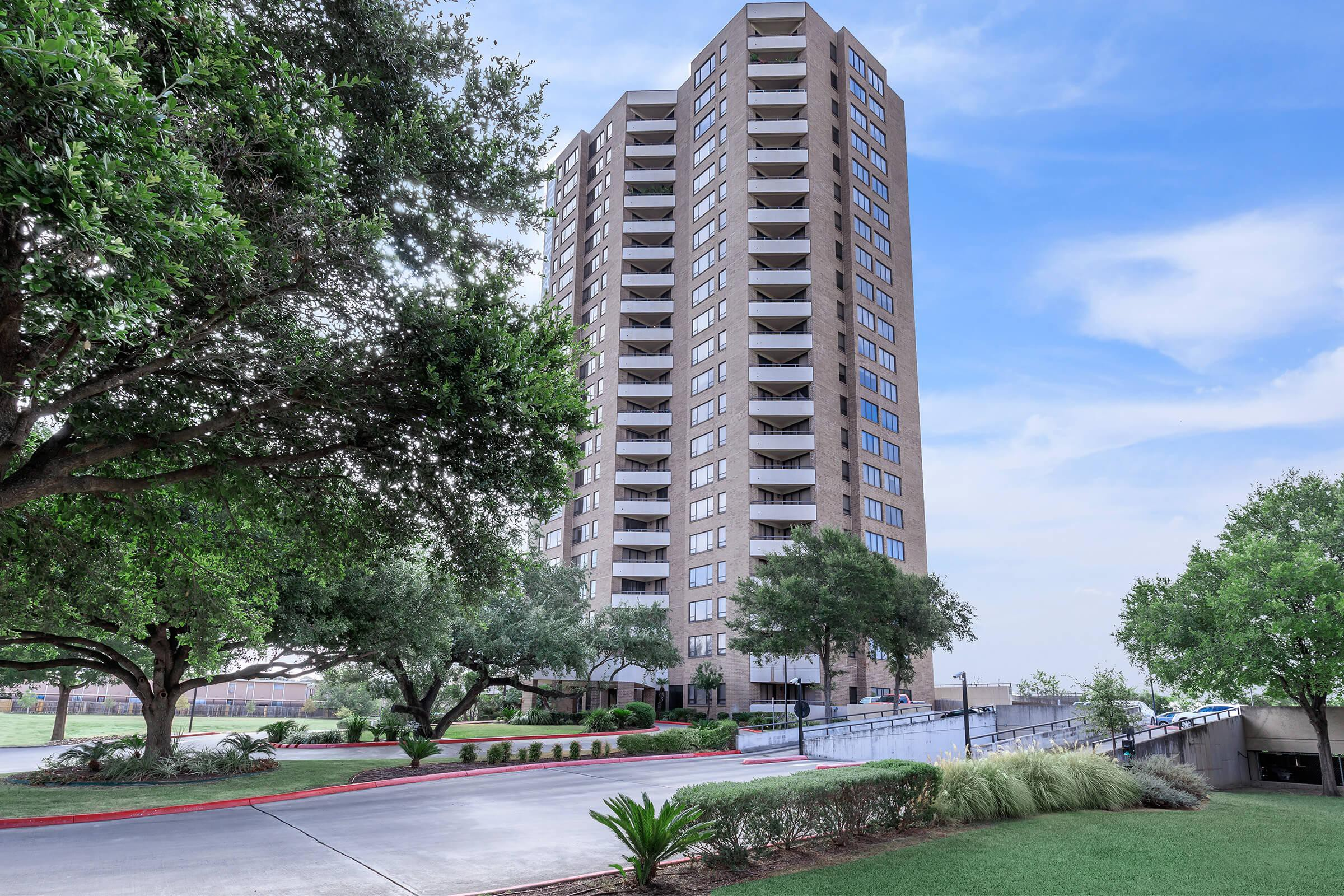 Apartments Near Trinity The Enclave at 1550 for Trinity University Students in San Antonio, TX