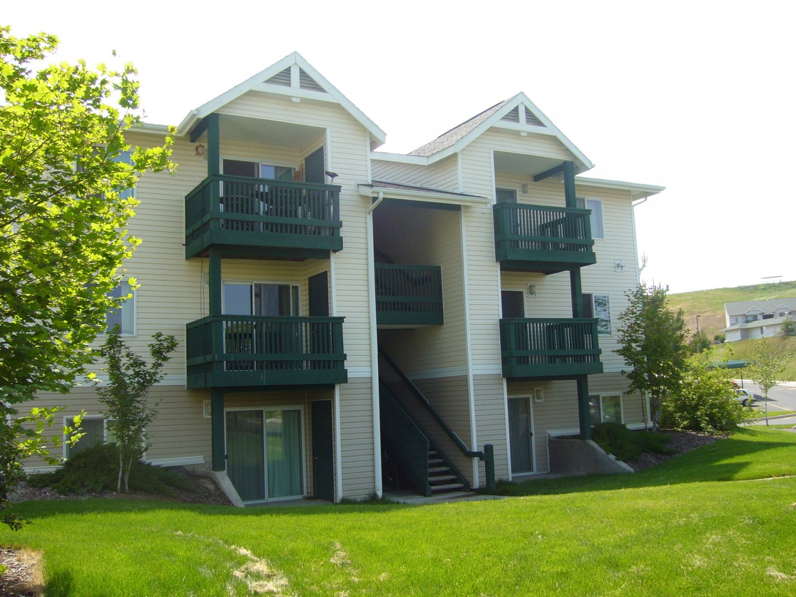 Apartments Near WSU Aspen Village Apartments for Washington State University Students in Pullman, WA