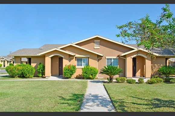 Apartments Near South Texas Vo-Tech Institute Casa Messina for South Texas Vo-Tech Institute Students in Weslaco, TX