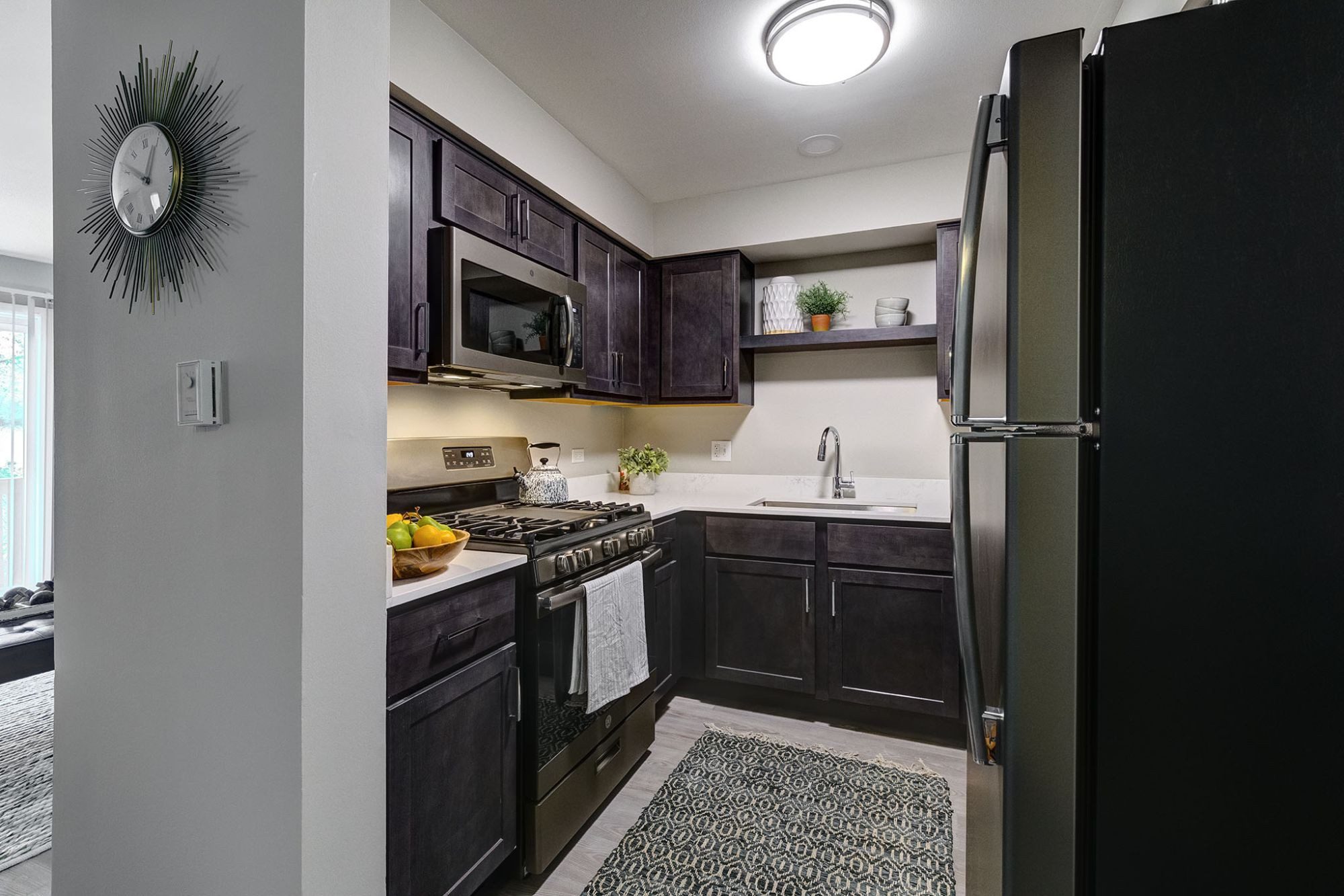 Apartments Near MWU Westmont Village for Midwestern University Students in Downers Grove, IL