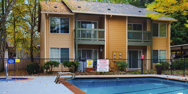 Apartments Near George Fox Oak Tree for George Fox University Students in Newberg, OR