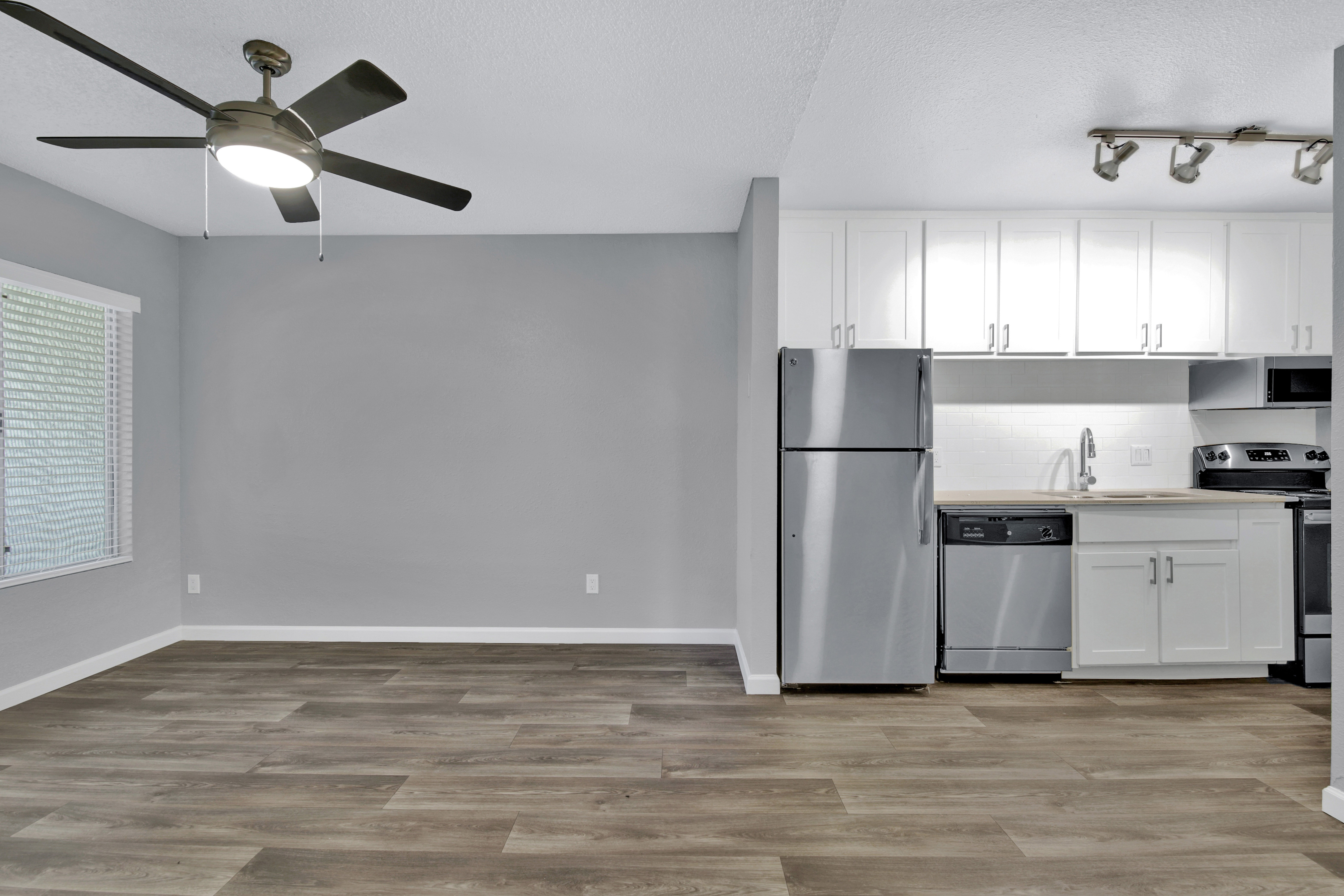 Delano Apartments photo