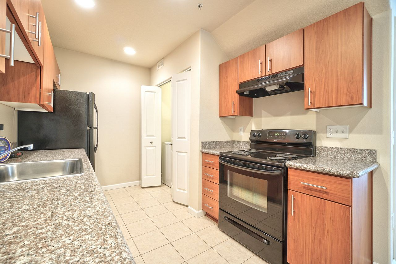 Apartments Near George Fox Creekview Crossing for George Fox University Students in Newberg, OR