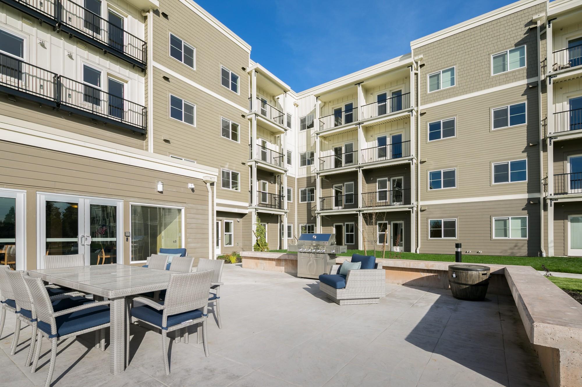 Apartments Near Green River Estates at Hillside Gardens for Green River Community College Students in Auburn, WA