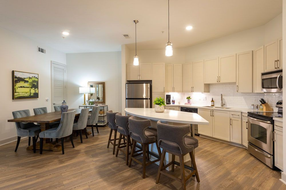 Pearl Midlane River Oaks for rent