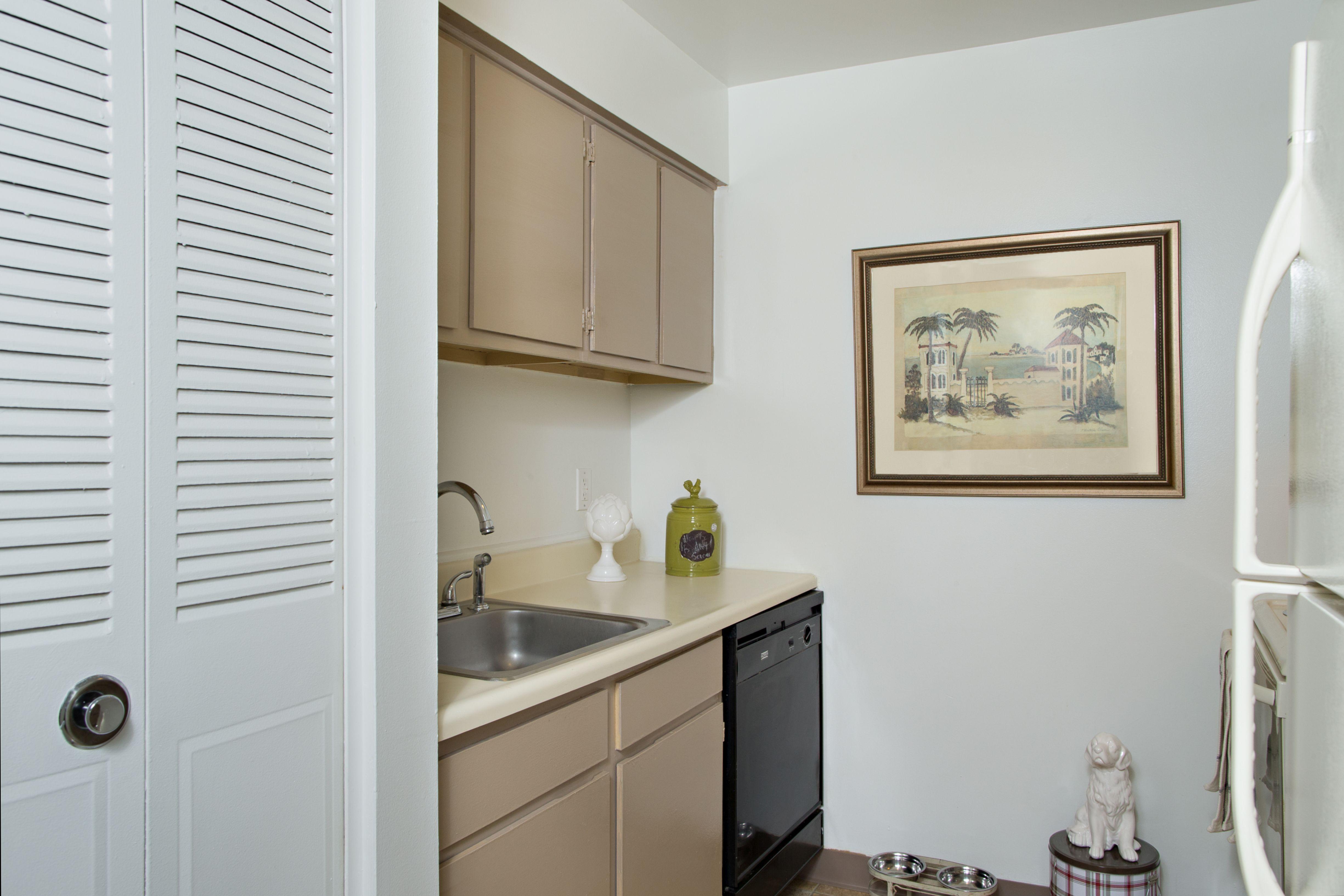 Highland Club Apartments rental
