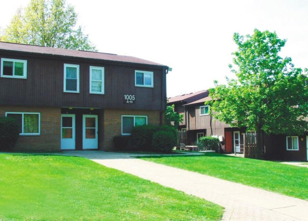 Apartments Near Geneva Westview Terrace - Income Restricted for Geneva College Students in Beaver Falls, PA