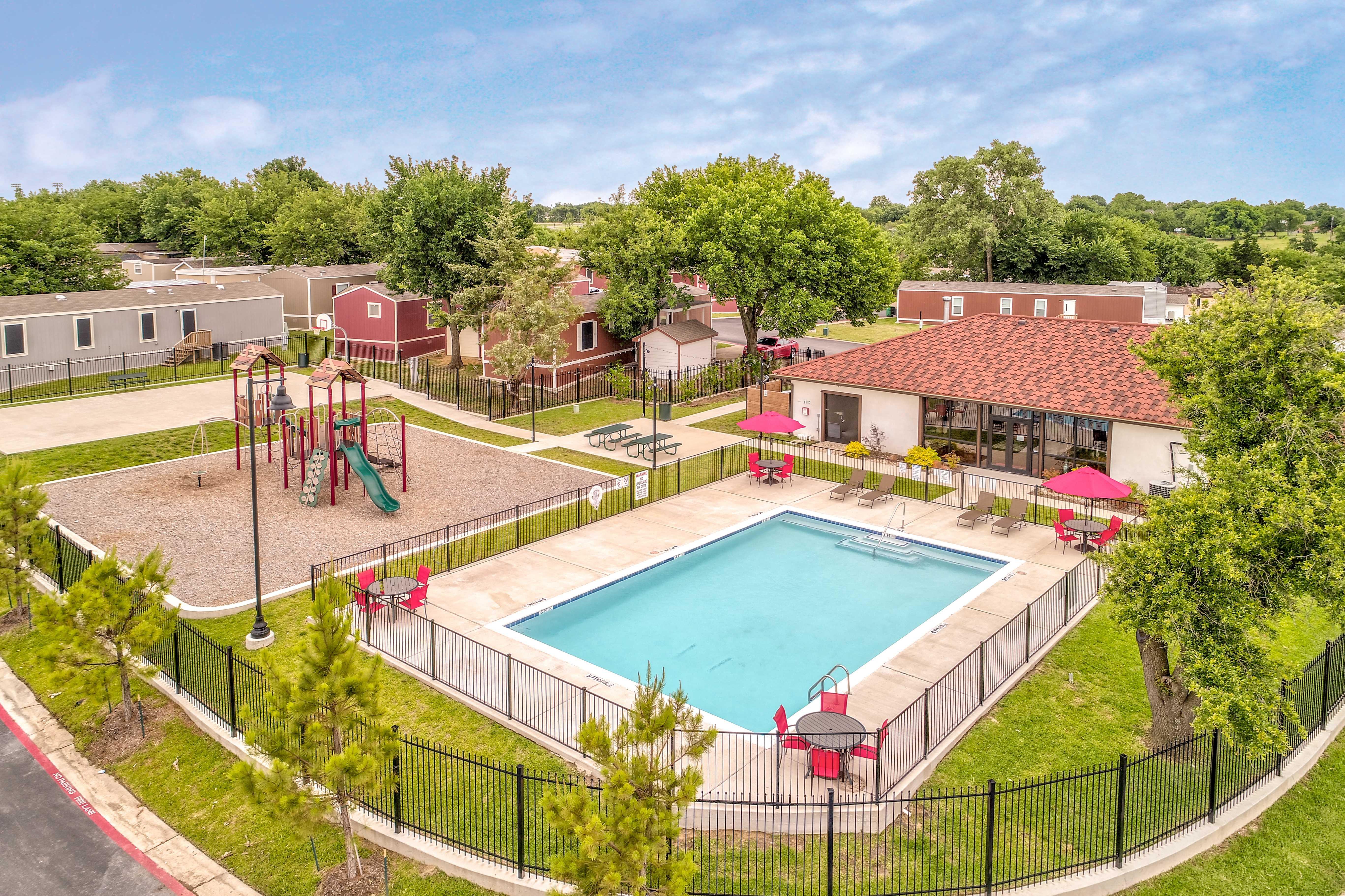 Apartments Near AC Pradera for University of Austin Students in Sherman, TX