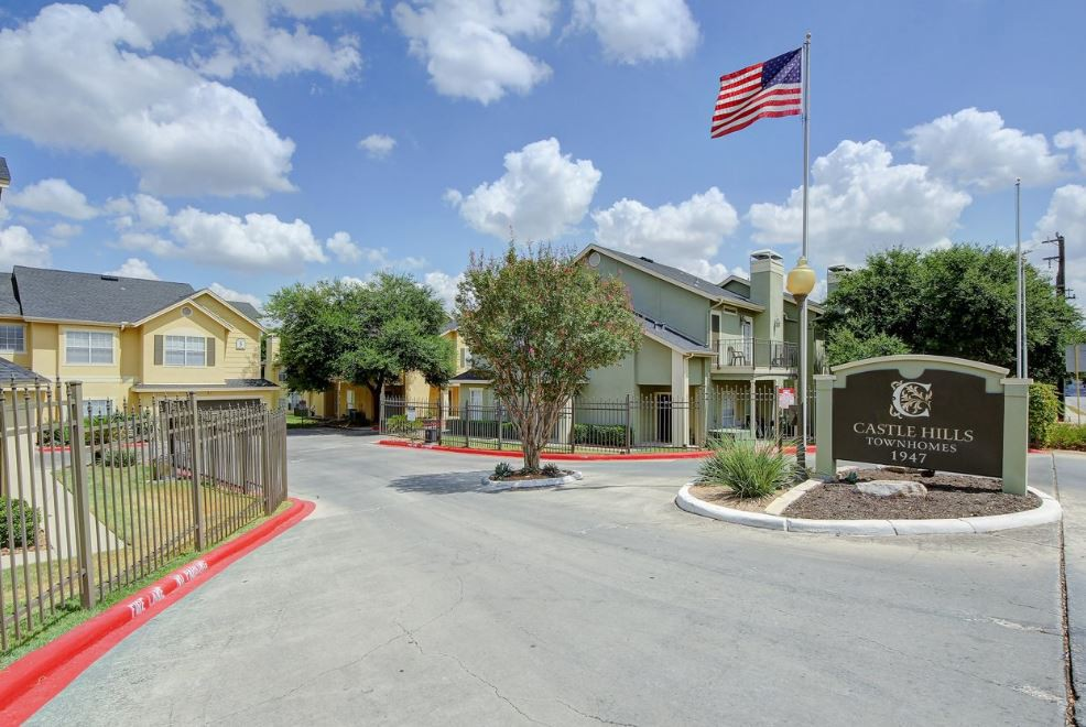 Castle Hills Townhomes photo