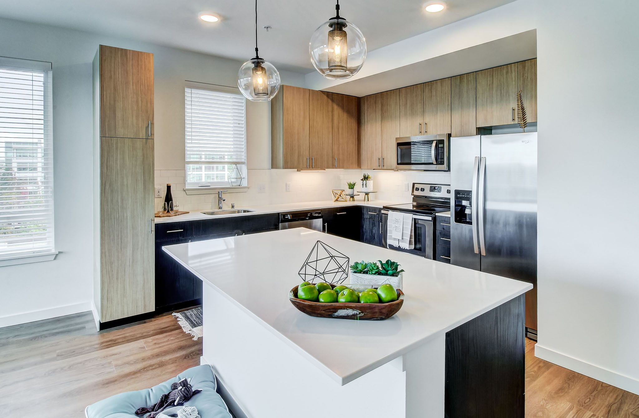 Parkside, Redmond - (see pics & AVAIL)
