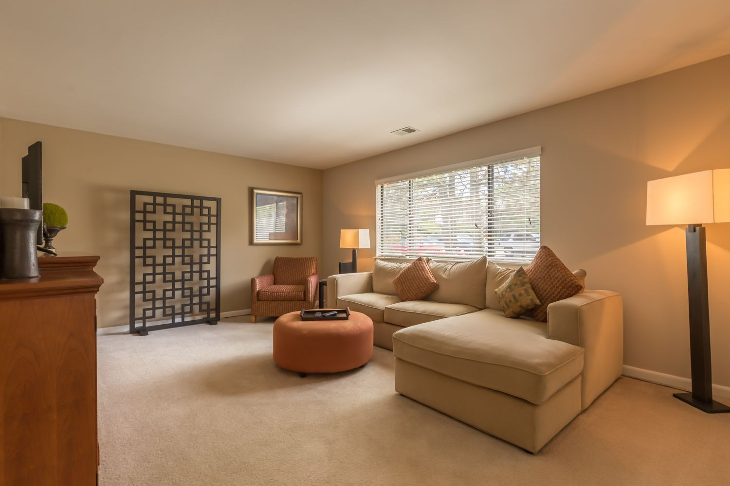 Apartments Near MWU Brook Hill for Midwestern University Students in Downers Grove, IL