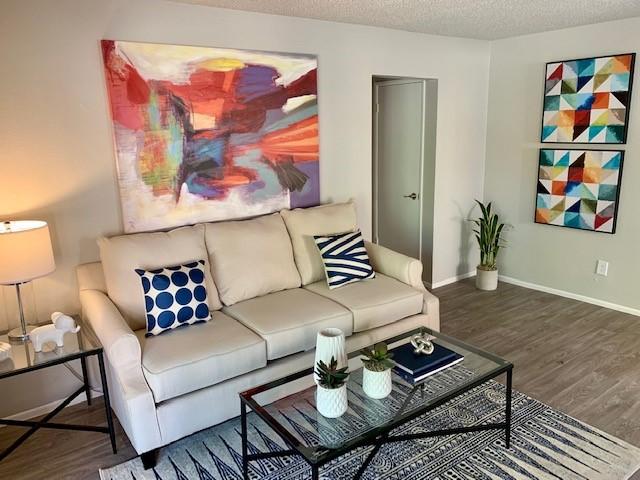 Live at Sierra Walk Apartment Homes