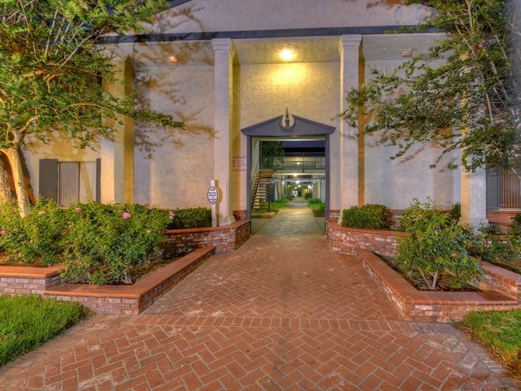 Apartments Near Biola GEORGIAN for Biola University Students in La Mirada, CA