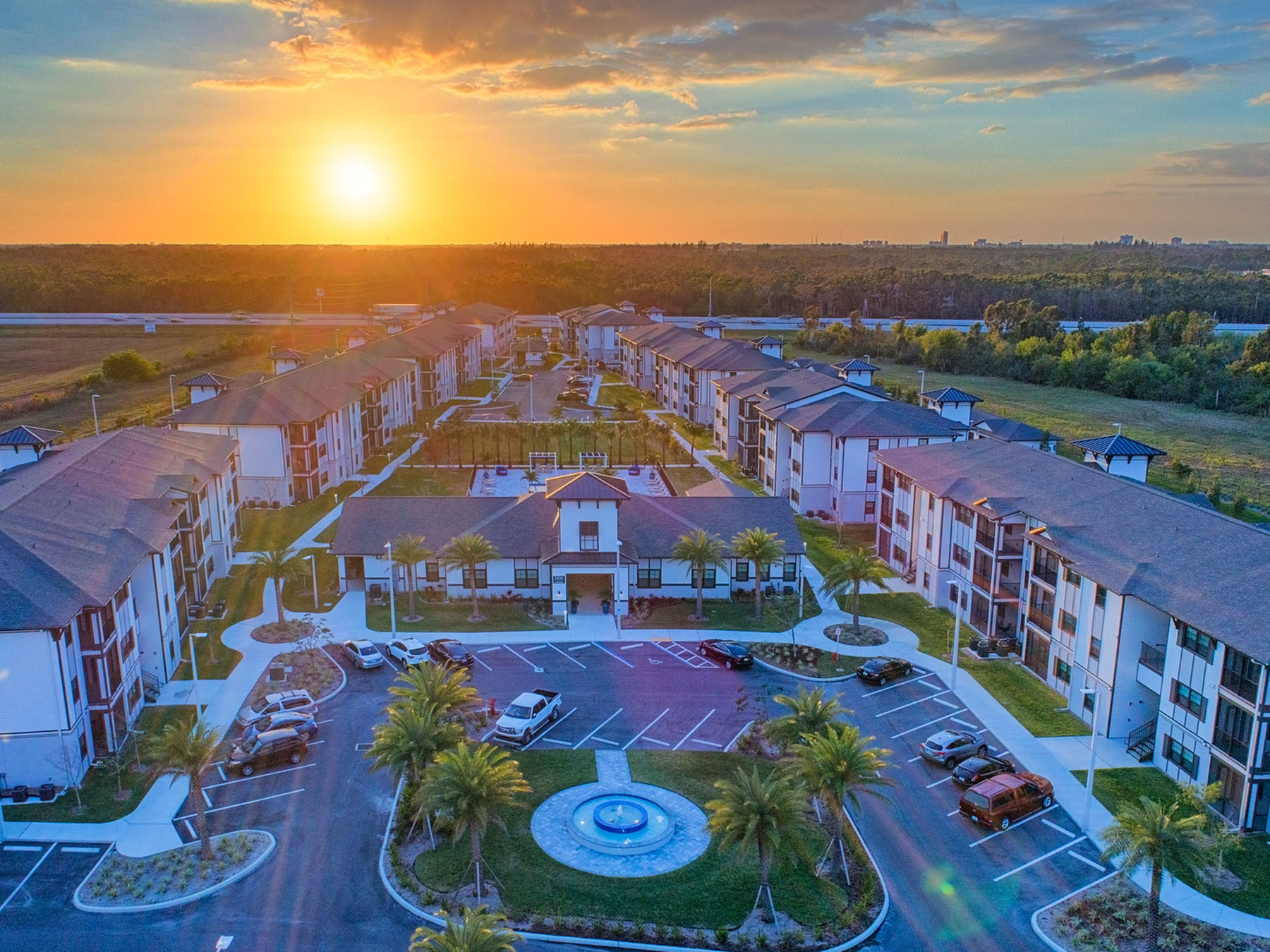 Apartments Near Edison Coral Pointe at The Forum for Edison State College Students in Fort Myers, FL