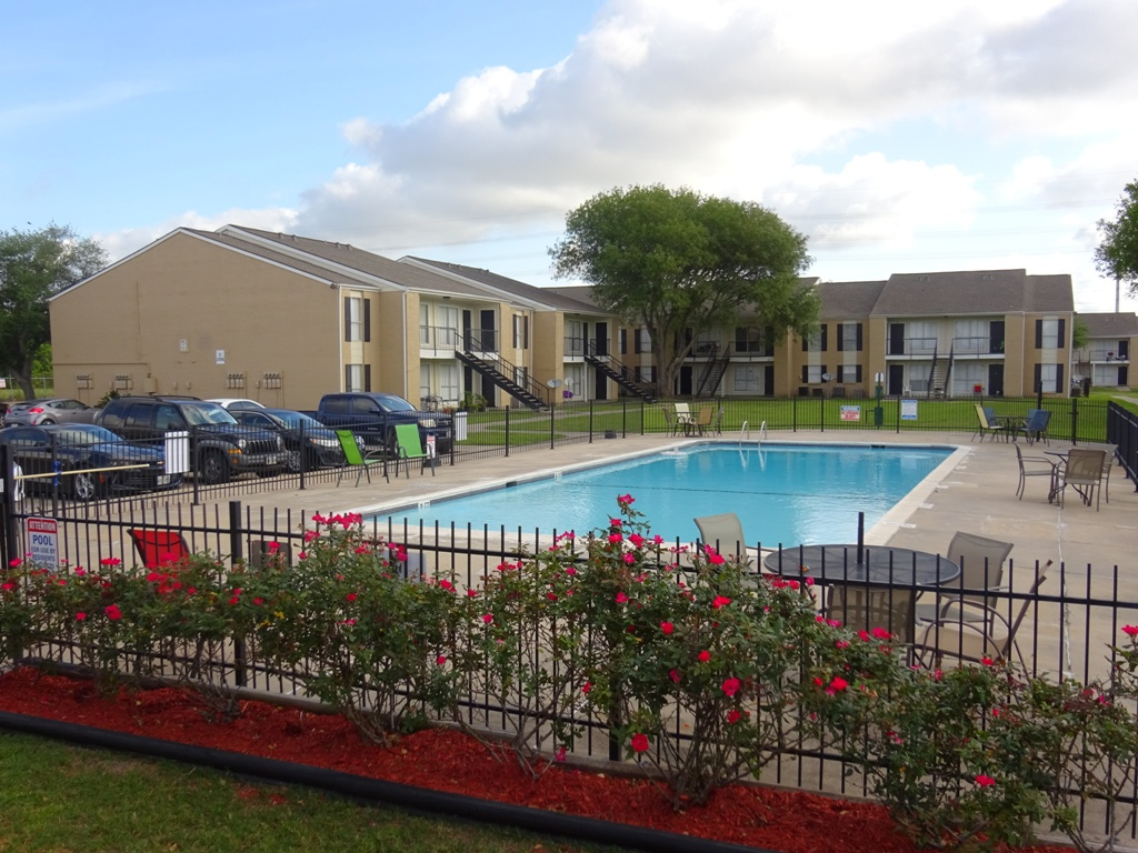 Apartments Near BC Sienna Villas Apartments for Brazosport College Students in Lake Jackson, TX