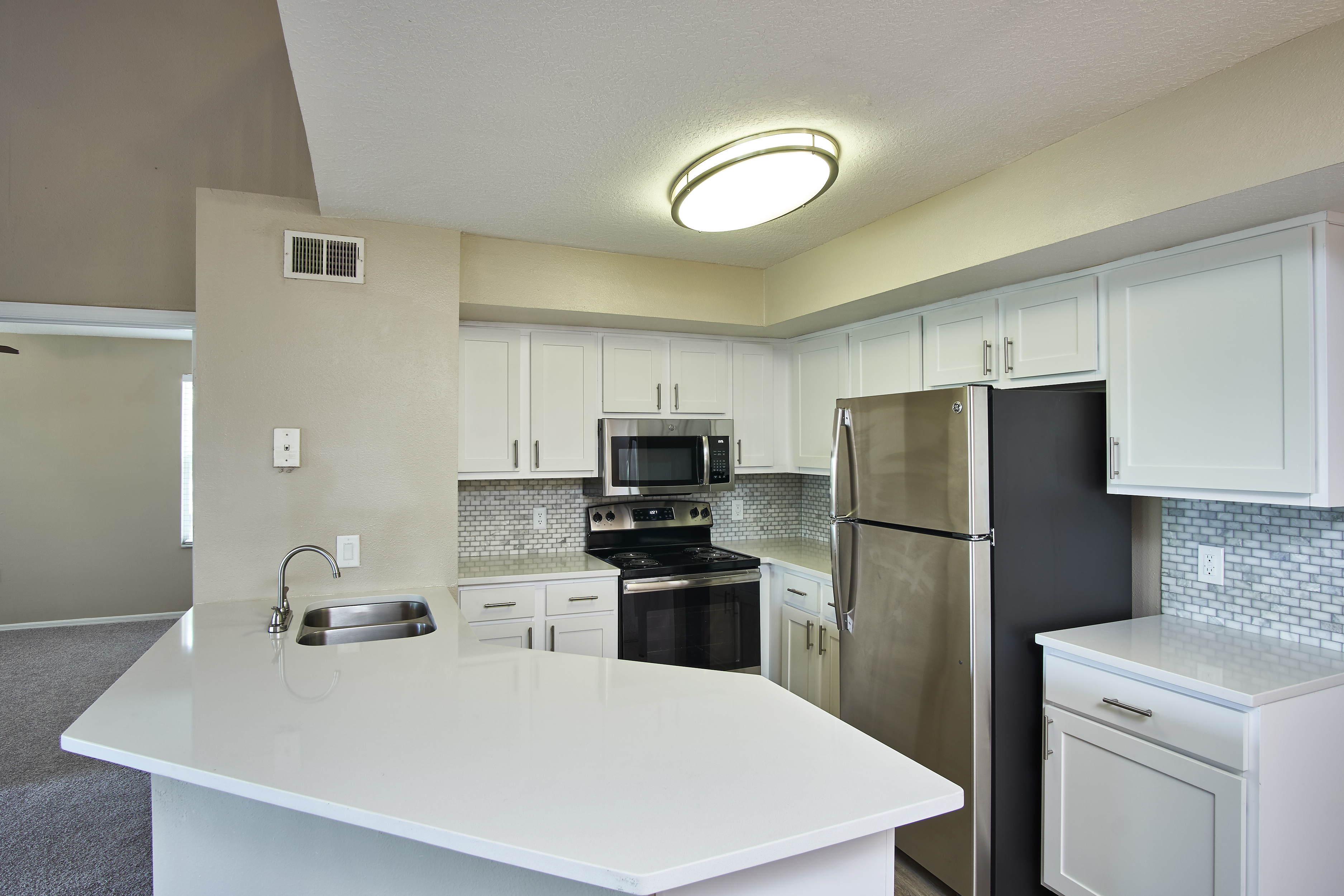 Calais Park Apartments photo