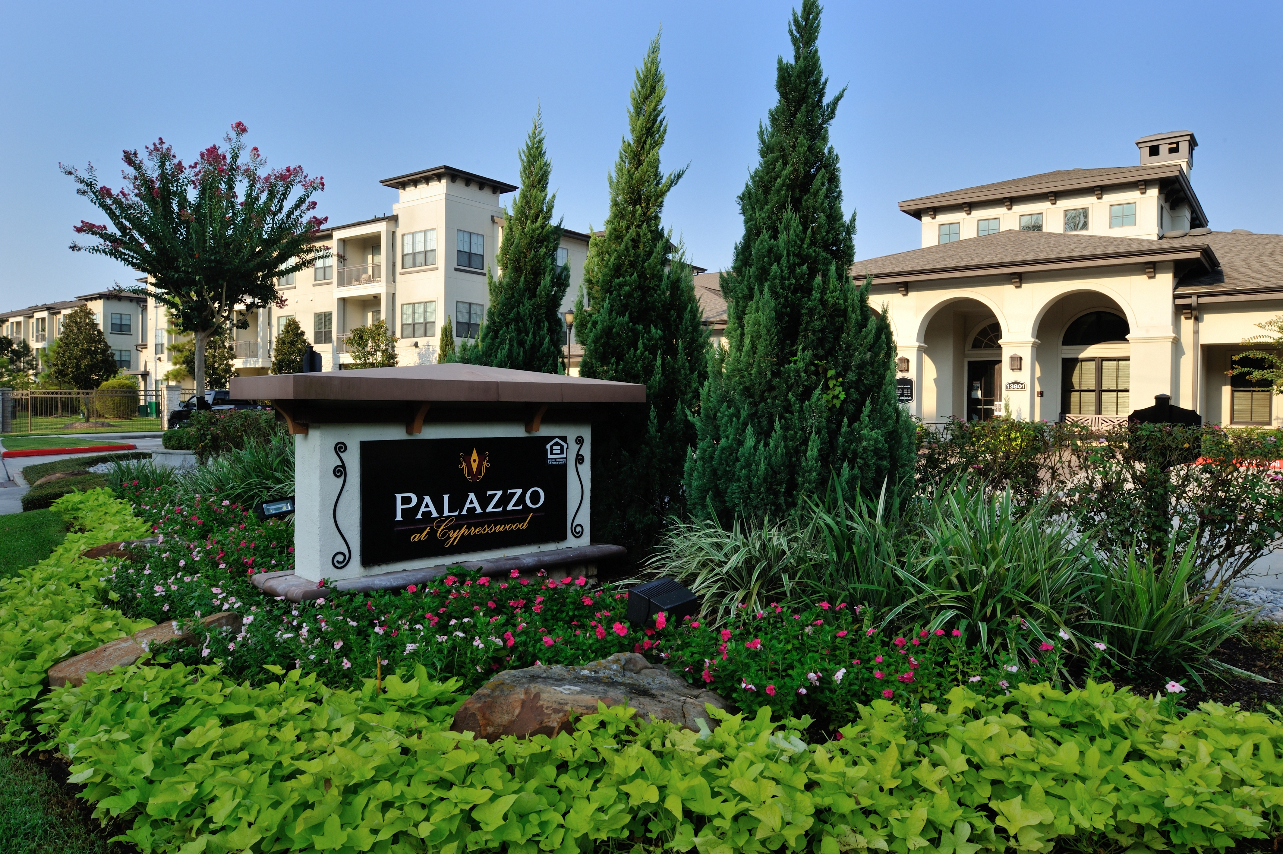 Apartments Near ITT Technical Institute-Houston North Palazzo at Cypresswood for ITT Technical Institute-Houston North Students in Houston, TX