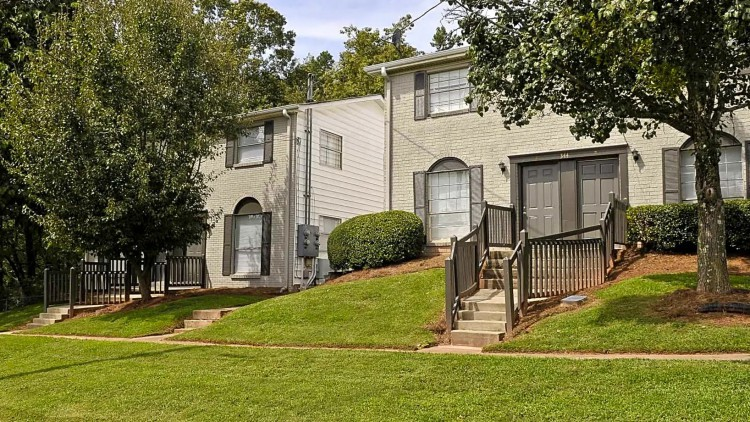 Apartments Near UNG Lanier Townhomes for University of North Georgia Students in Oakwood, GA