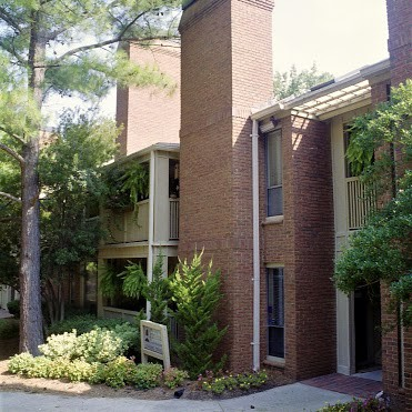 Apartments Near Queens Parkhill Condominiums for Queens University of Charlotte Students in Charlotte, NC