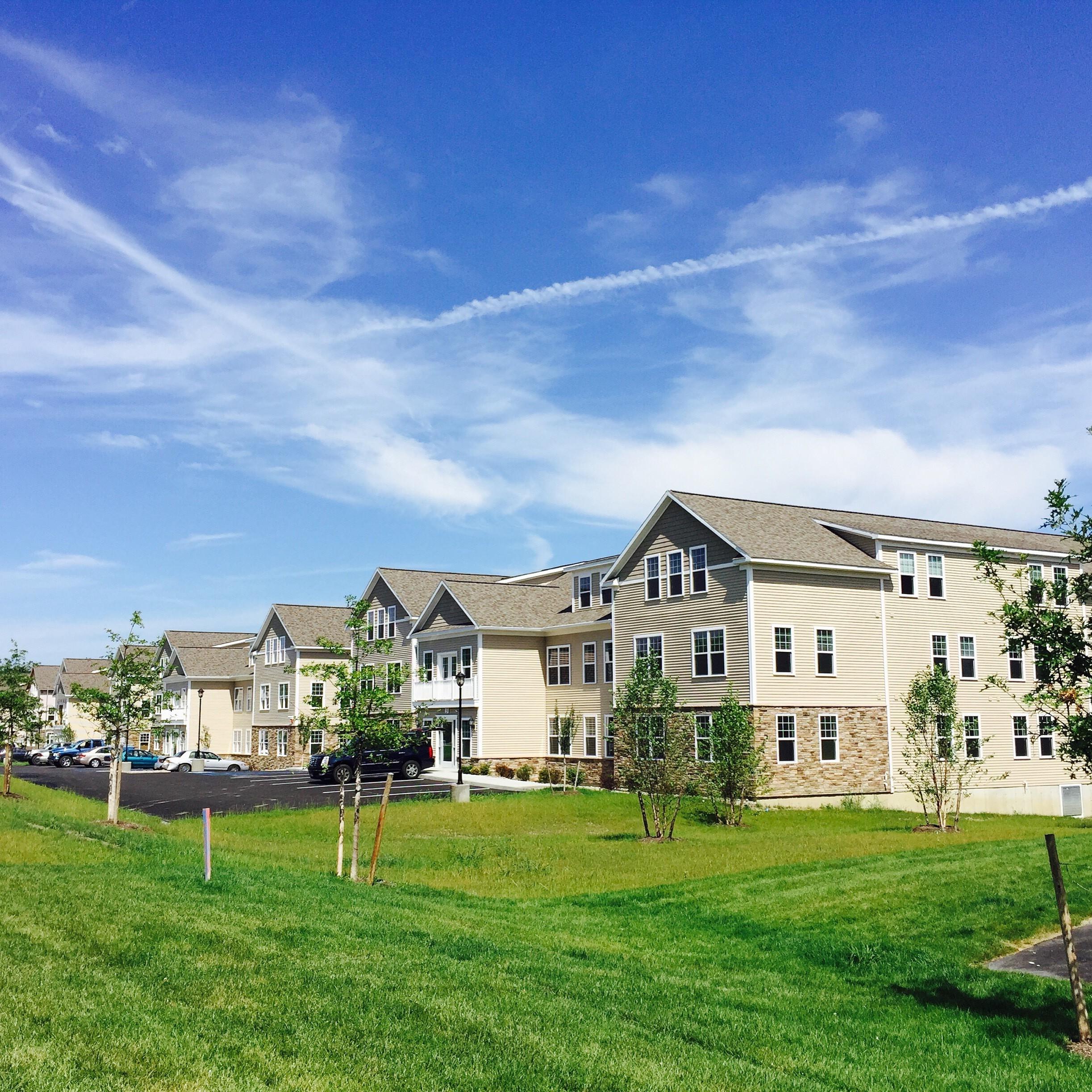Apartments Near UAlbany Iroquois Village for SUNY University at Albany Students in Albany, NY