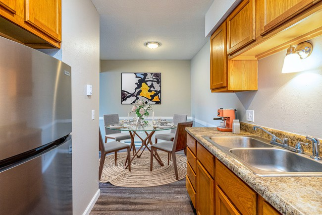 Apartments Near Owens Piccadilly West for Owens Community College Students in Toledo, OH
