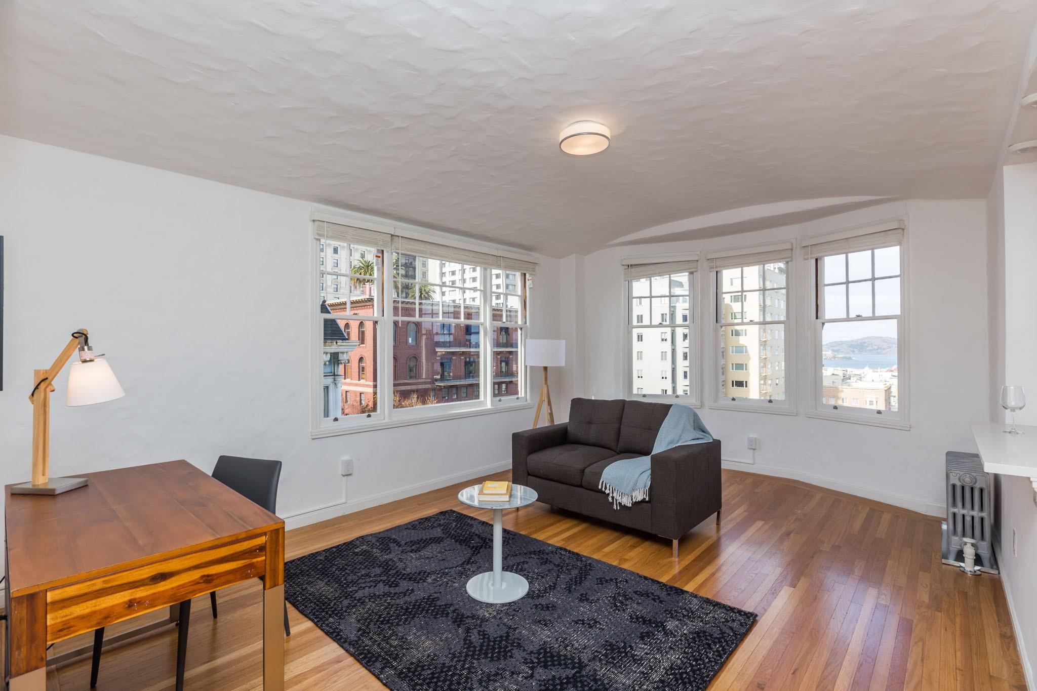 845 CALIFORNIA Apartments & Suites