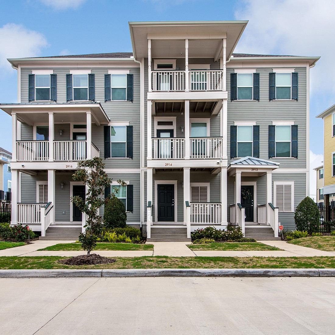 Apartments Near UTMB Cedars at Carver Park Apartments for The University of Texas Medical Branch Students in Galveston, TX