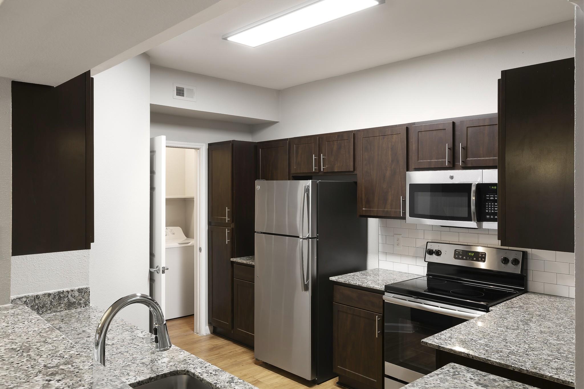 Apartments Near UT Austin Gables Central Park Texas for University of Texas - Austin Students in Austin, TX