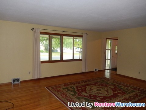 8733 30th Ave N Minneapolis Mn 55427 4 Bedroom Apartment For Rent Padmapper