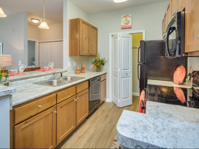 Apartments Near HGTC Vinings at Carolina Bays for Horry-Georgetown Technical College Students in Conway, SC