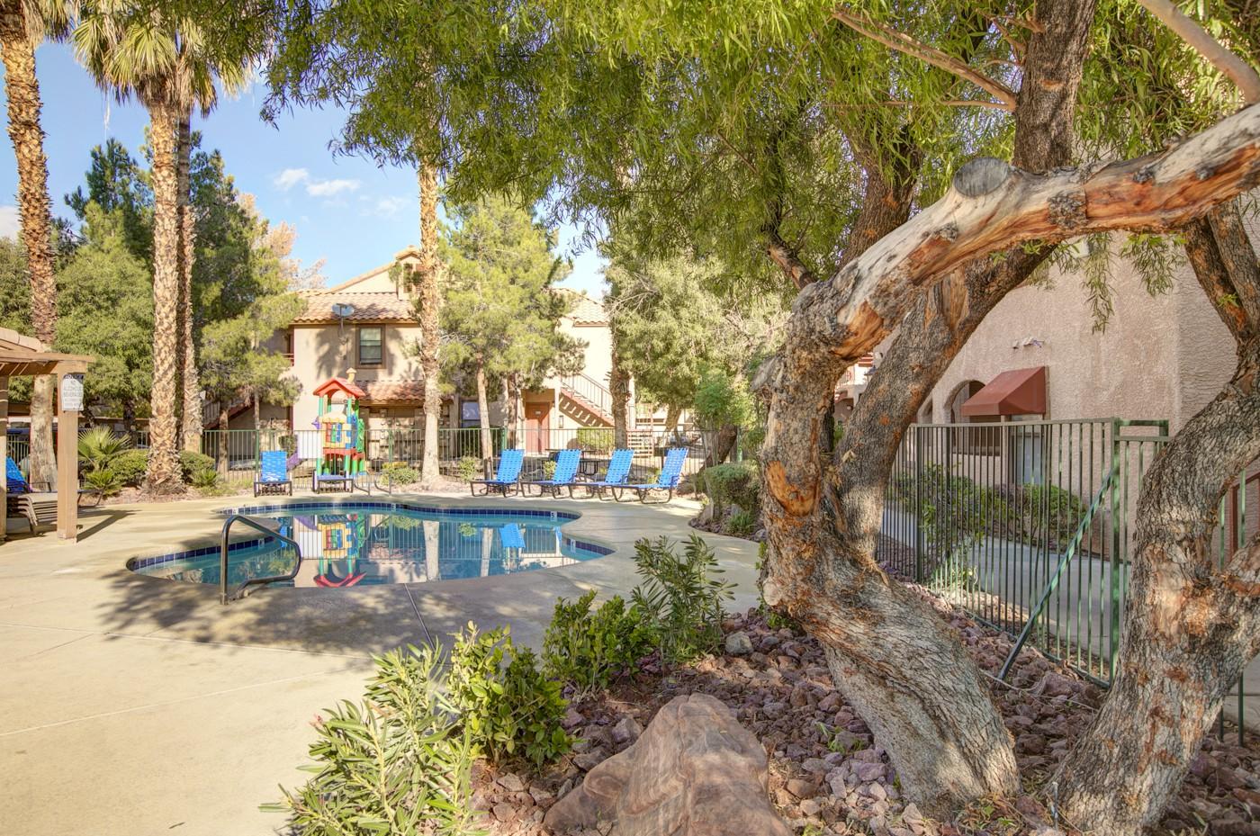 Apartments Near Las Vegas Villa Del Rio for Las Vegas Students in Las Vegas, NV