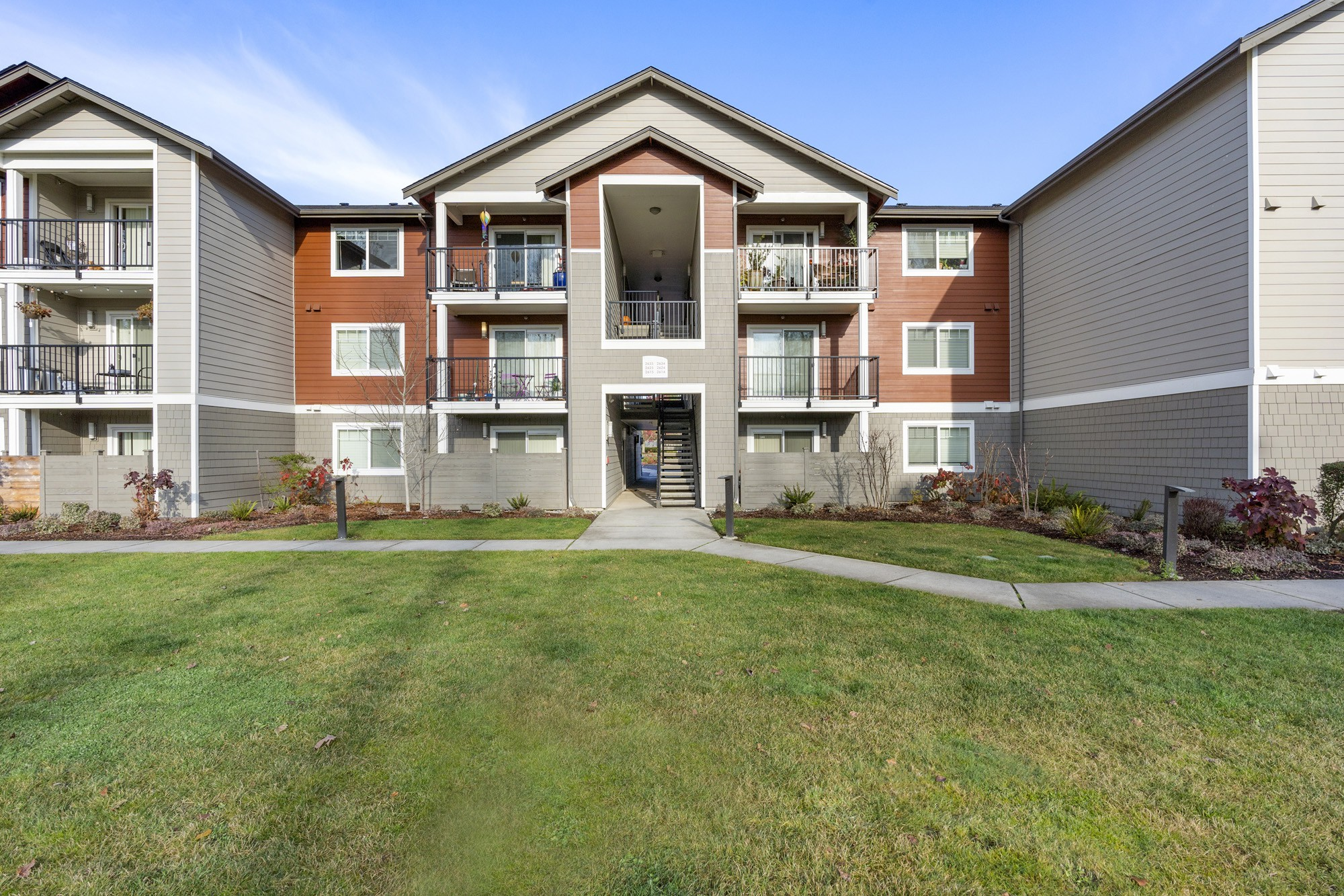 Apartments Near Green River Indigo Springs for Green River Community College Students in Auburn, WA