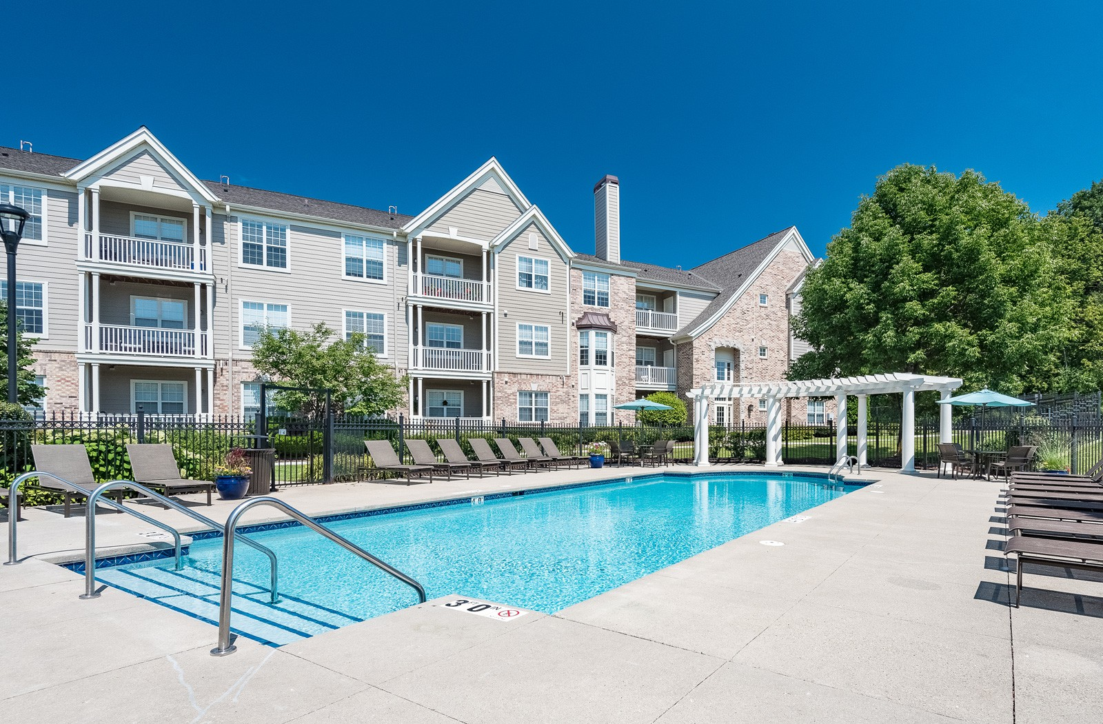 Apartments Near Mount Mary Reserve at Wauwatosa Village for Mount Mary College Students in Milwaukee, WI