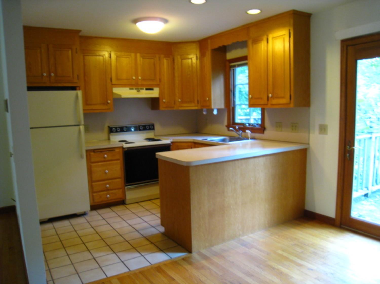 Apartments Near Wesleyan Erin Street Townhouses for Wesleyan University Students in Middletown, CT