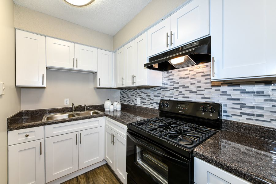Apartments Near Savannah State 2800 Capital Square for Savannah State University Students in Savannah, GA