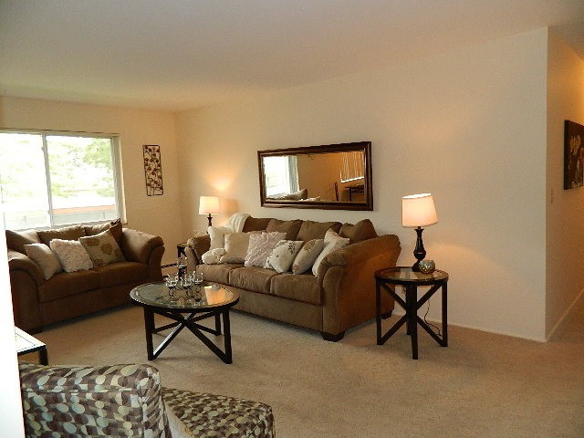Apartments Near SVSU Eastlawn Arms Apartments for Saginaw Valley State University Students in University Center, MI