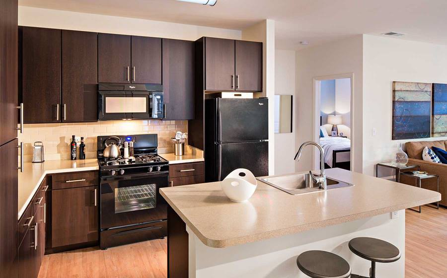 Apartments Near Dowling Avalon Huntington Station for Dowling College Students in Oakdale, NY
