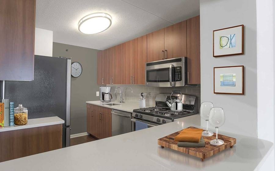 Apartments Near Molloy Avalon Towers for Molloy College Students in Rockville Centre, NY